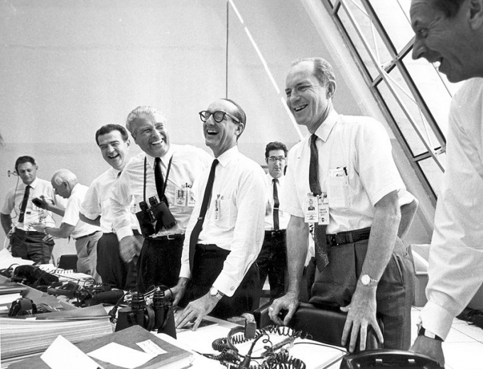 800px Apollo 11 mission officials relax