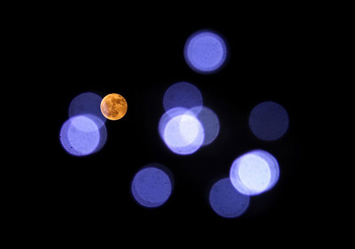 full moon 4 nov with pleiades bokah lo res 1 e1509823301432