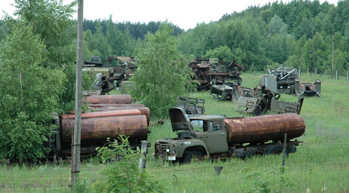 033_Chernobyl_vehicle_graveyard_03